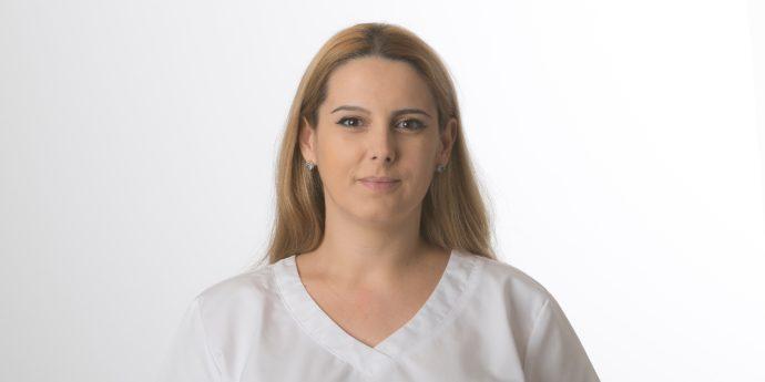 Ancuta Proca | Fachärztin für Dermatologie und Venerologie - Foto: Thomas Lemnitzer